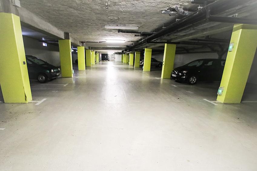 Garage souterrain pour les voitures des étudiants de Beauvais en logement lasalle