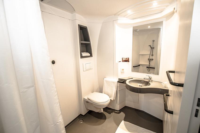 Coin salle de bain dans un studio la salle réservé aux étudiants de Beauvais